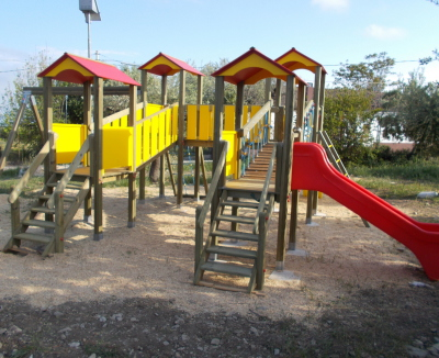 torrette con scivolo, ad uso pubblico, giardini, scuole, comunali