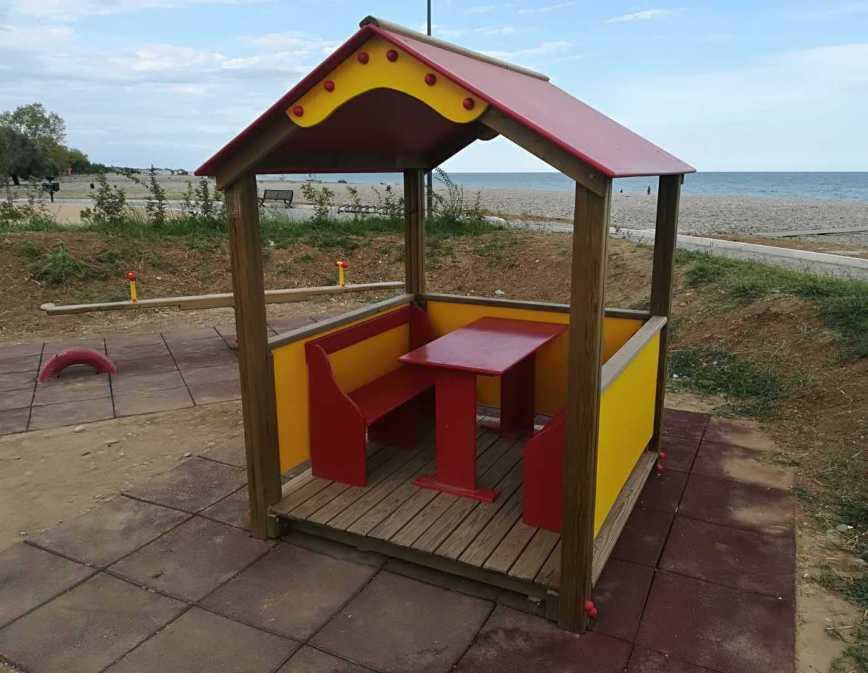 Giochi a molla, parchi giochi in legno, giochi bambini, uso pubblico,